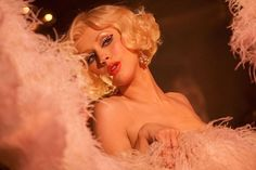 La fan-dance de Cristina Aguilera dans le film Burlesque