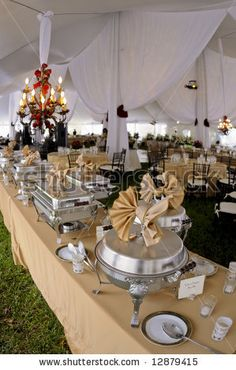 how to set up a banquet food table