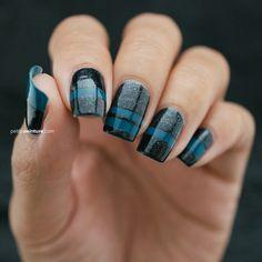Blue Stripes | Petite Peinture #nails #nailart #naildesign #manicure