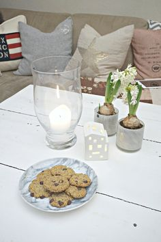 Chocolate chip cookies Chocolate Chip Cookies, Healthy Lifestyle, Chips, Table Decorations, Home Decor, Decoration Home, Potato Chip, Room Decor, Chocolate Cookies