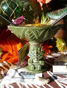 Disney's Rongo Bowl with Colonel Tiki's Rongo Bowl Cocktail. Tiki Glasses, Tiki Hut, Tiki Tiki, Hawaiian Luau, Hawaiian Games, Tiki Bar Decor, Tiki Lounge, Beer Fest, Tiki Party
