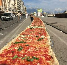Longest Pizza I Naples Italy  #ilovenapoli