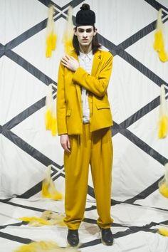 Henrik Vibskov Menswear Spring Summer 2014 Paris Fashion Show - More on http://nwf.sh/11RNilu