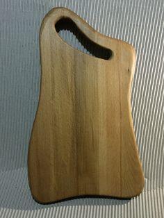 Ahşap, ağaç, kaşık, spatula, sehpa, bıçak, çatal, kütük, kesme tahtası, saat Woodworking Shop Layout, Woodworking Desk, Woodworking Projects, Wood Chopping Board, Wood Cutting Boards, Diy Wood Projects, Wood Crafts, Wooden Platters, Kitchen Board