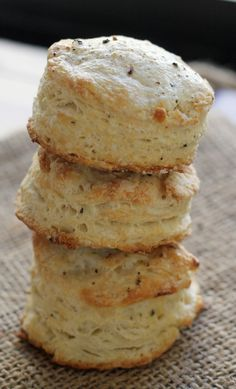 Salt-and-Pepper Biscuits Recipe ~ Greek yogurt is the perfect way to lighten up these biscuits without skimping out on any of that signature buttery delicious flavor!