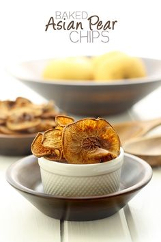 Baked Asian Pear Chips and other interesting reads from The Healthy Maven. Best Gluten Free Recipes, Fall Recipes, Snack Recipes, Appetizer Recipes, Asian Pear Recipes, Pear Recipes Healthy, Apple Recipes, Healthy Desserts, Delicious Recipes