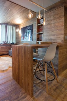 Sestriere Arte rovere antico Dream Furniture, House In The Woods, Corner Desk, Diy Home Decor, Cottage, Places, Table, Kitchens, House Ideas