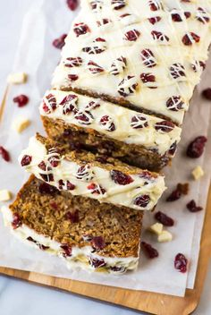 Cranberry Bliss Cream Cheese Banana Bread. Unbelievably moist, easy and tastes like a Starbucks Cranberry Bliss Bars! Simple, healthy recipe made with Greek yogurt. Easy to make and freeze ahead for Thanksgiving and Christmas breakfasts and homemade Christmas gifts.