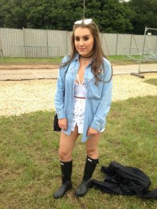 The premier site for pretty Girls wearing Wellingtons