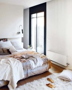 bedroom, contemporary, white, fur, neutral