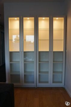 Ikea regal billy oxberg  If the full glass pane is too busy, consider returning the door ...
