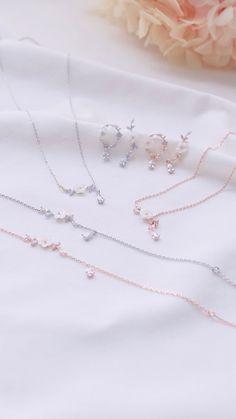 Jewelry Design Earrings, Jade Jewelry, Bridal Jewelry, Jewelry Accessories, Fancy Jewellery, Stylish Jewelry, Fashion Jewelry, Magical Jewelry, Delicate Jewelry