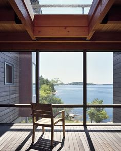 Image 7 of 11 from gallery of Ledge House / Theodore + Theodore Architects. Courtesy of Theodore + Theodore Architects Kb Homes, Garden Design, House Design, Small Apartment Design, Timber House, New Home Builders, Window Design, Interior Architecture, Interior Design