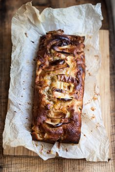 Apple and cinnamon pound cake - Juls' Kitchen | Juls' Kitchen