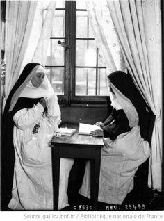 1912 - La prison Saint Lazare : [religieuses] / Agence Meurisse