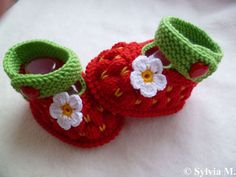 strawberry babyshoes