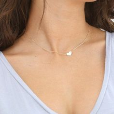 Collier petit coeur collier délicat coeur gravé par FeminaHandmade