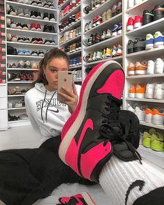 Endlich habe ich die x @ in den Händen. Was war deine LPU? # # The post Endlich habe ic Jordan Shoes Girls, Jordans Girls, Girls Shoes, Pink Jordans, Cute Sneakers, Shoes Sneakers, Zapatillas Nike Jordan, Aesthetic Shoes, Nike Free Shoes