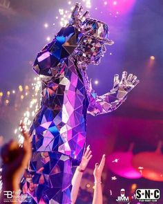 Mirror man glass man performance costume suit - Broken glass Style - from ETERESHOP Mirror Man, Club Design, Summertime Sadness, Man Party, How To Clean Carpet, Grand Opening, Fireworks, Party Costumes, Mannequin Heads