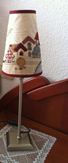 Interesting ideas for decor: Абажуры в стиле печворк. Country Lamps, Penny Rug Patterns, Half Square Triangle Quilts, House Quilts, Quilted Table Runners, Country Crafts, Vintage Lamps, Small Quilts, Applique Quilts