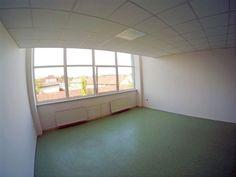 Kancelária 44m2 v širšom centre s parkovaním | REGIO-REAL s.r.o. (reality Prešov a okolie)