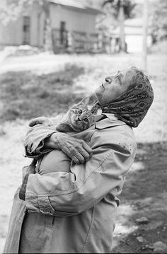 """""""Babushka with her cat"""" Photo: Vladimir Sichov (Born: Soviet Russia 1947 - ) Soviet Russia - Moscow, Crazy Cat Lady, Crazy Cats, Animals And Pets, Cute Animals, Photo Chat, Cat People, Vintage Cat, Vintage Black, Belle Photo"""