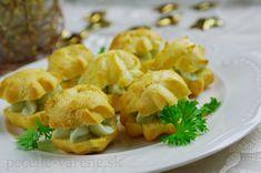 Slané jednohubky z odpaľovaného cesta Baked Potato, Cauliflower, Pizza, Potatoes, Baking, Vegetables, Ethnic Recipes, Food, Basket