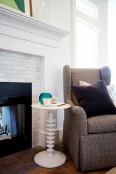 This is exactly the entertainment center that i would want. Caitlin Creer Interiors: Parade of Homes Accent Chairs Ikea, Parade Of Homes, Living Dining Room, Fireplace Design, Home And Living, Family Living Rooms, Home Living Room, Fireplace Bookshelves, Fireplace Surrounds