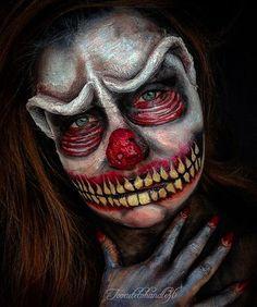 ¿Cómo vais a ir disfrazados en halloween? Si ya sabéis el disfraz no tenéis que preocuparos de nada más, en este artículos vais a encontrar toda la información para maquillaros en halloween de los personajes más terroríficos para que vuestros amigos se mueran de miedo cuando os vean. Descubrid los maquillajes más increíbles de halloween para mujeres, hombres y niños