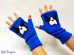 Keep your #BostonTerrier happy and your hands warm with custom BZ Fingers fingerless gloves w/ pockets for small treats and more. Perfect gift for dog