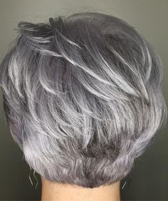 Latest Pictures of Short Layered Haircuts. Disregard long locks, short layered haircuts are the absolute most sizzling patterns this year! Short Grey Hair, Short Hair With Layers, Short Hair Cuts For Women, Short Choppy Hair, Short Pixie, Silver Grey Hair Gray Hairstyles, Short Cuts, Gray Silver Hair, Short Stacked Hair