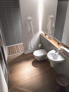 Kleine Bäder mit Holz aufpeppen: So fühlen Sie sich auch auf kleiner Grundfläche rundum wohl #smallbathroom #wood #atmosphere