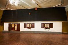 "Erwin Wurm als ""Gurkerl"" im Leopold Museum Erwin Wurm, Carl Spitzweg, Narrow House, Museum, Vienna, 21st Century, Ceiling Lights, Lisa, Studio"