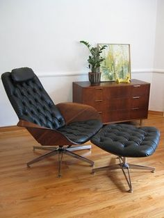 This is a chair by Plycraft. It's masculine but not over the top masculine. Still has some elegance to it. It's back side is just as sexy.