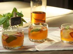 Strawberry Lemonade Bourbon Cocktail recipe from Food Network Specials via Food Network Bourbon Cocktails, Cocktail Drinks, Cocktail Recipes, Drink Recipes, Classic Cocktails, Craft Cocktails, Party Recipes, Party Drinks, Tea Recipes