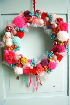 silly old suitcase: Christmas wreaths in candy colours...