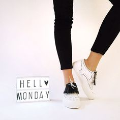 Hello #Monday - or Hell Monday, read whatever you want   ROBERT CLERGERIE - Tolka02  #Sarenza #shoes #LaceUpShoes #BlueMonday #RobertClergerie #Clergerie @robertclergerie #new