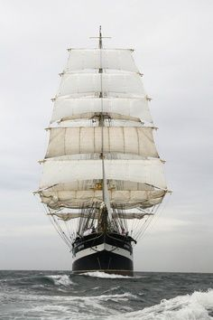 Beautiful #tall #ship, follow us @solarglide for more pins !