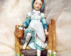 Classics Collection 1970s Holly Hobbie mint figurine Estate Find Reveries Girl on a Fence