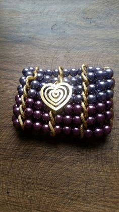 Pulsera de 6 vueltas en colores primavera, elaborada en tejido cadena. Dije corazón. #pulsera  #primavera #corazón #perlascolores. $35.350