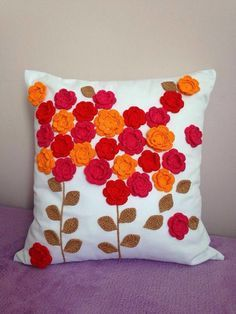 Crochet ideas for home pillow covers cushions 54 ideas Crochet Home Decor, Crochet Crafts, Felt Crafts, Crochet Projects, Diy And Crafts, Crochet Cushion Cover, Crochet Cushions, Crochet Pillow, Cushion Embroidery