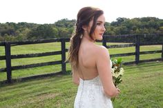 This tousled pony and fall glam makeup are an absolute must this wedding season. Hair | Lacey West, Makeup | Sara King, Photo Credit | Alicia Katy Photography