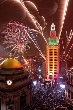 Home for the holidays! Celebrating New Years in my hometown of Buffalo, New York. Hope you all enjoy yours wherever you may be. Happy New Year! :)