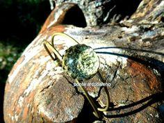 Bracciale rigido bronzo con centrale in vetro e fiore naturale essiccato/ cabochon/ bianco/ vero fiore/ vintage/ gioiello/ regalo/ per lei di PonteArcobaleno su Etsy
