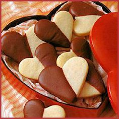 Be My Valentine Heart Shaped Black and White Cookies by Land O Lakes #valentinesday #recipes