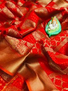 Fabric Details:Banarasi Handloom Weaving Patola Silk Saree With Rich Contrast Pallu n Meenakari Saree Wedding, Wedding Wear, Casual Wedding, Wedding Ceremony, Designer Sarees Collection, Saree Collection, Floral Print Sarees, Floral Prints, Handloom Weaving