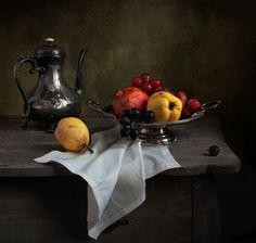photo: С кофейником и фруктами | photographer: Татьяна Еремеева | WWW.PHOTODOM.COM