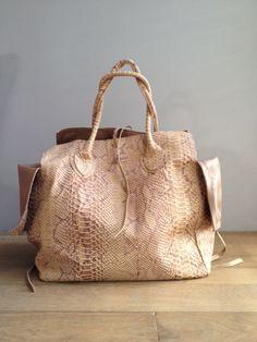 Let & Her bags  Shop Berlue Boutique!