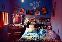 ブルーの壁の部屋☆ 色使いは参考にしたい!