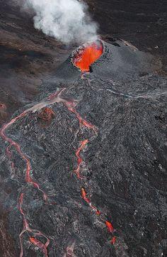 Découvrir le #volcan le plus actif du monde : une leçon d'humilité! Piton de la Fournaise à #laRéunion
